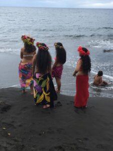 Tahitia women in traditional dress