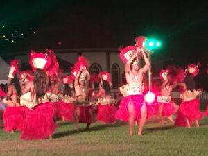 Traditional tahitian dancers